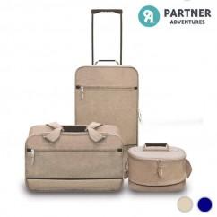 Set de Viaje Partner Adventures (3 piezas) disponible en varios colores. Color Sáhara